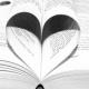 Livre dont les pages forment un cœur