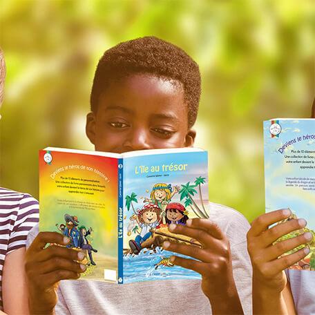 Enfant lisant livre personnalisé l'ile au trésor